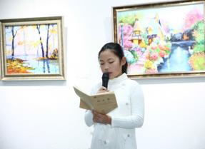 杨昕彤11岁绘画个展 让时间展示彩色力量