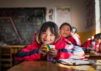 回到爱开始的地方 12位必胜客店长探访捐一元项目学校